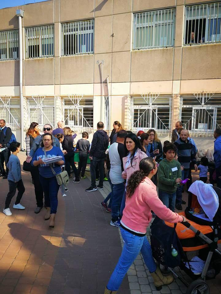 מותג חדש גלריות בפתח תקווה - יריד בבית ספר אורנים - מחנה יהו AM-13
